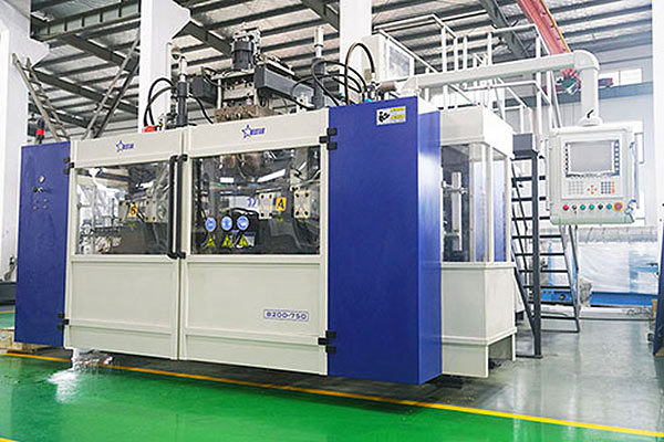 fully-automatic-blow-molding-machine